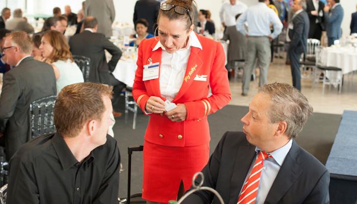 200 Ondernemers ontbijten op de luchthaven
